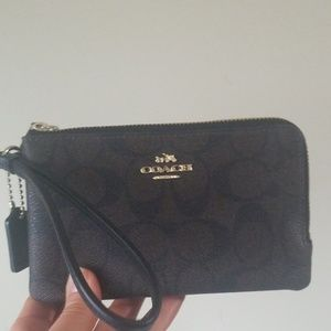Coach Signature Double Corner Zip Wristlet/Wallet